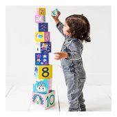 Empiler, faire tomber, recommencer... ✨  Les cubes en carton sont colorés sur chaque face pour stimuler la vue de bébé dès le plus jeune âge, et en grandissant votre enfant travaillera ses mathématiques en empilant les cubes tout en observant les chiffres qui se suivent de 10 à 0 pour le plus petit cube ✨  #educatif #cube #empiler #cadeaunaissance #babygift #carton #babyroom #jeuxbebe #babyshop #ideecadeau #petitmonkey #inelle